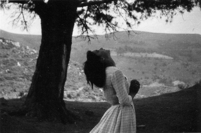 Conchita bei den Pinos, in Ekstase.