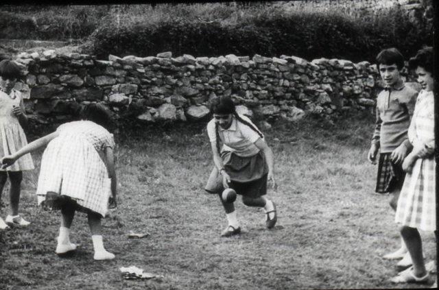 Die Mädchen während eines Spiels.